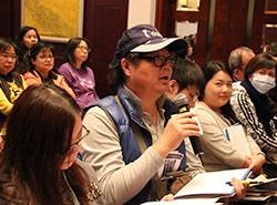 老師反應熱烈,紛紛回應文英玲博士提問。